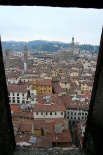 florence-il-duomo-window-travelnerdplans