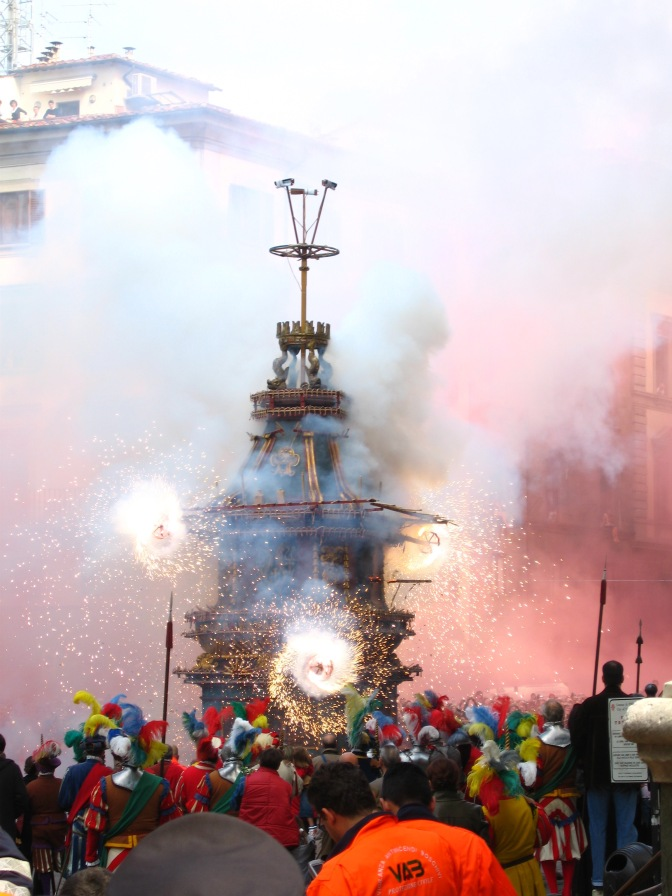 florence-scoppio-del-carro-fireworks-travelnerdplans