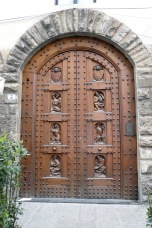 florence-arched-doorway-travelnerdplans