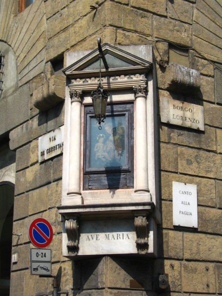 florence-corner-ave-maria-travelnerdplans