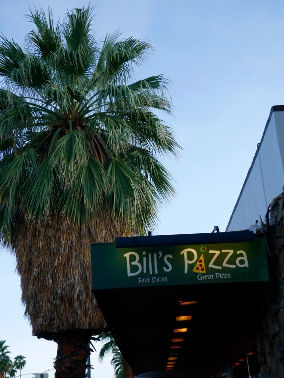 palm springs bills pizza 2 travelnerdplans.jpg