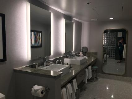 palm springs hilton bathroom 2