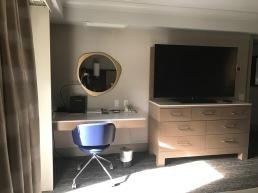 palm springs hilton bedroom 2 travelnerdplans