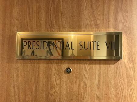 palm springs hilton presidential suite travelnerdplans.jpg
