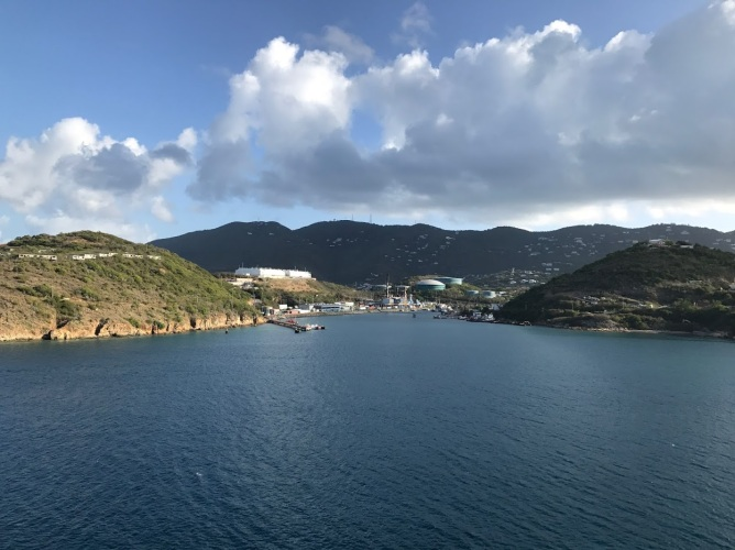st thomas coming into port