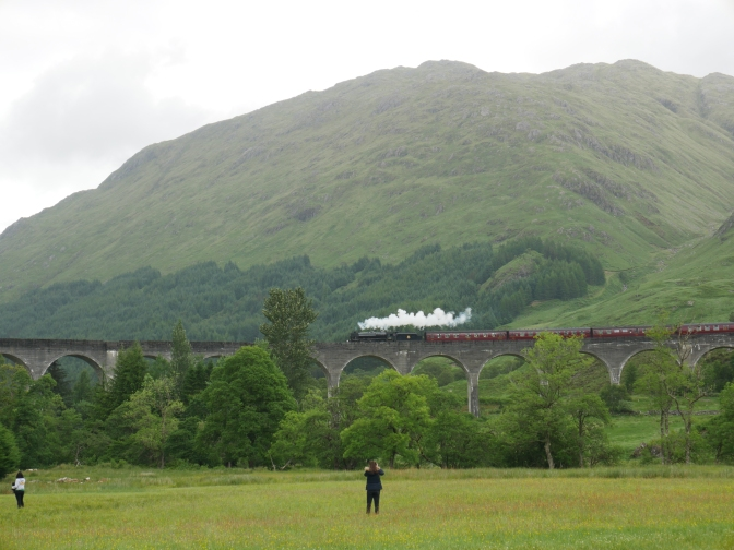 scotland glenfinnan viaduct.jpg
